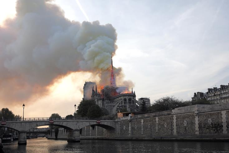 President Anastasiades expresses sorrow for fire at Notre Dame
