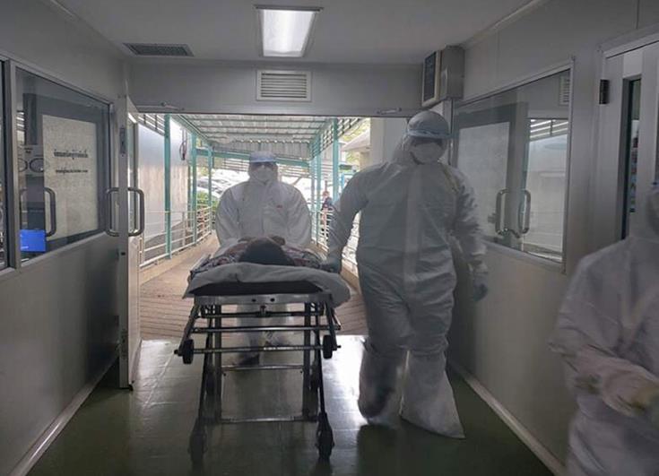 Coronavirus: Nurses report understaffing