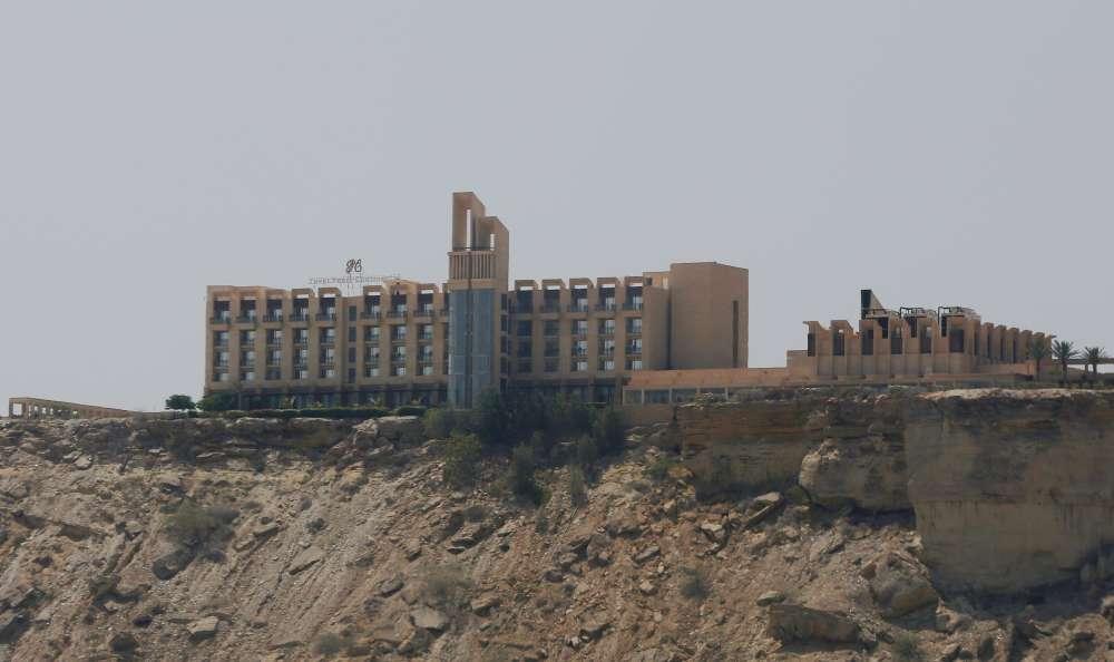 Gunmen storm five-star hotel in Pakistan