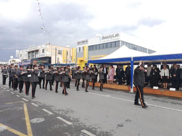 School parades go ahead in Paphos