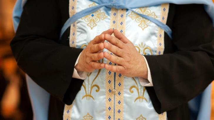 """Priest who disobeyed """"Thou shalt not commit adultery"""" before the Synod"""