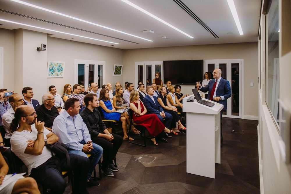 Phoenix Leaders hosts inspiring evening  with Professor Markides