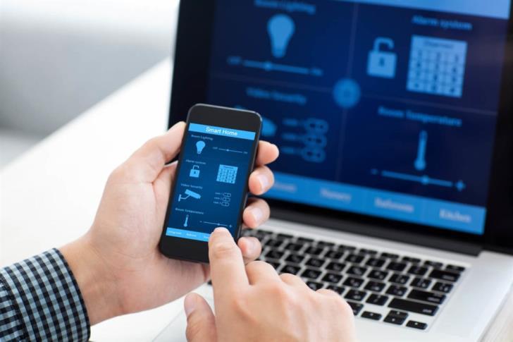 EU to curb phone costs