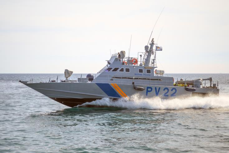 Six rescued from small boat off Larnaca