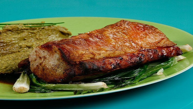 Roast pork with avocado and soy sauce