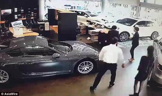 Businessman smashes his £115