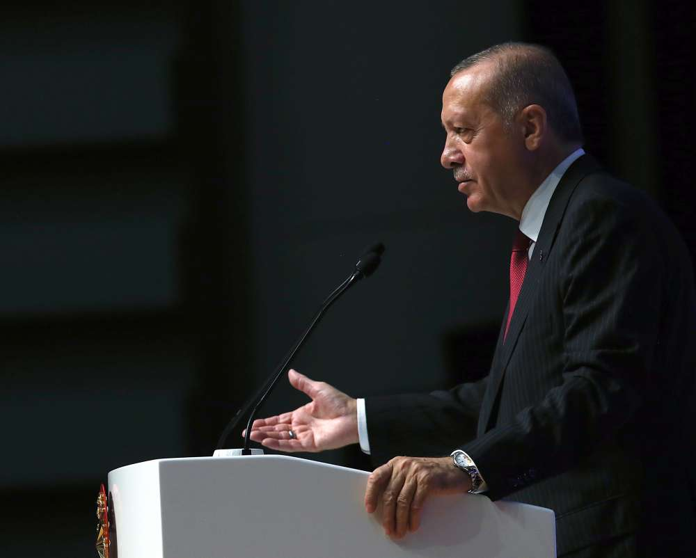 Erdogan says Turkey needs S-400 missile defence systems
