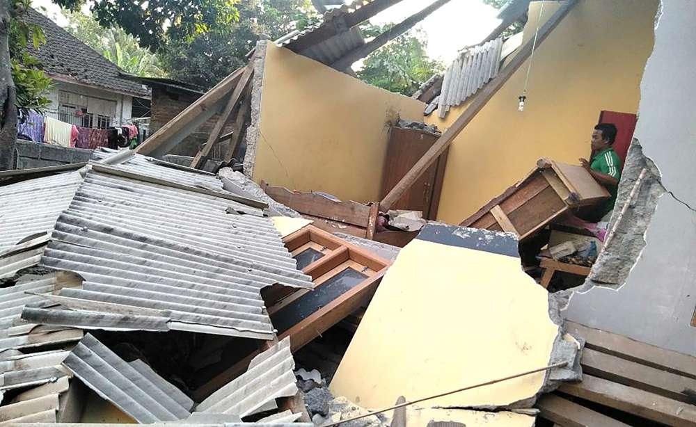 Powerful quake hits Indonesia's Lombok