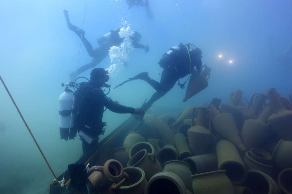 Pupils help sink new artificial reef in Limassol (video)