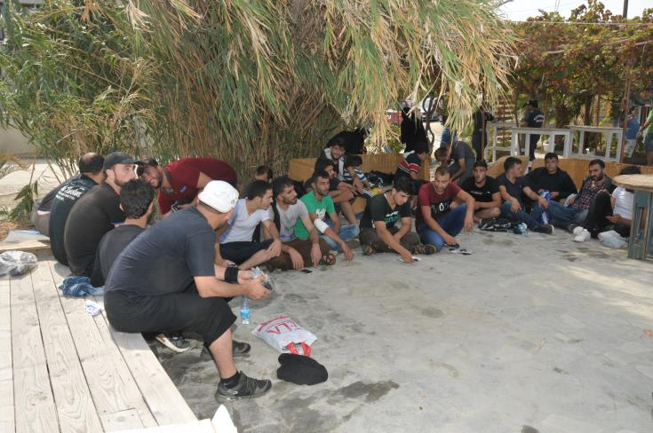 34 refugees taken to Kokkinotrimithia reception centre