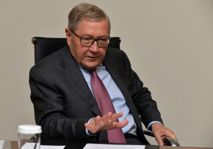ESM's Regling does not foresee another crisis coming for Cyprus