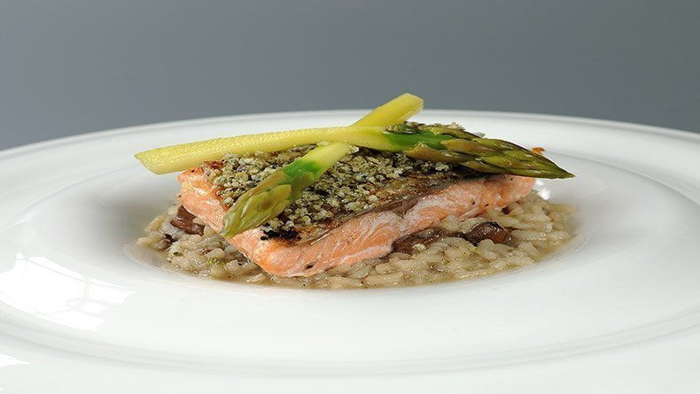 Salmon and wild mushrooms risotto