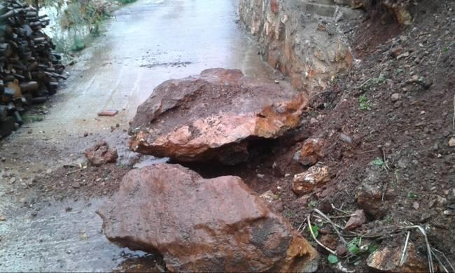 Rock slides in mountain roads