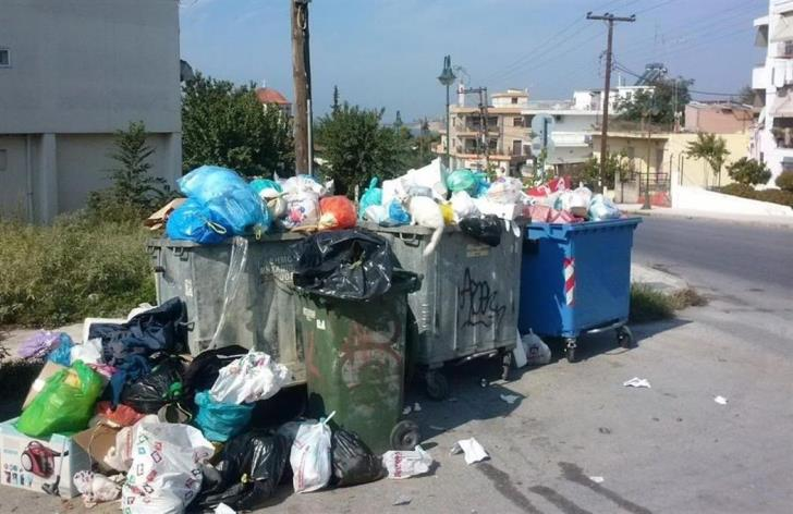 Strovolos refuse collectors suspend strike
