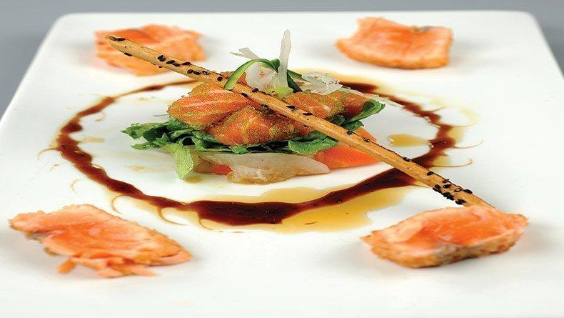 Salmon sashimi salad