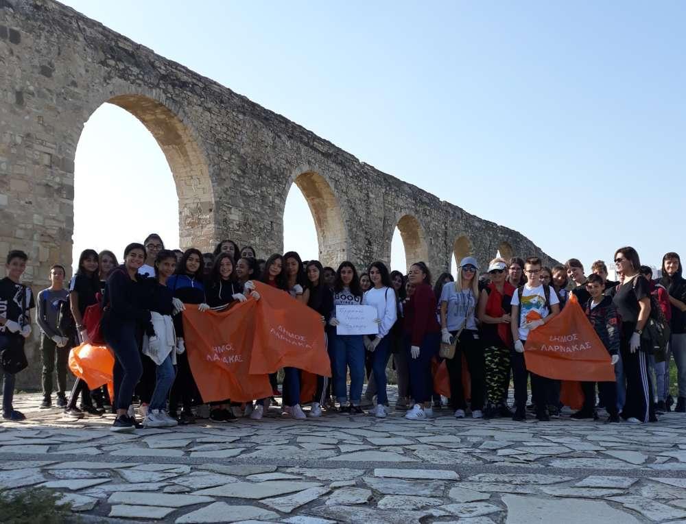 Xylophagou high school pupils help clean up salt lake nature trail