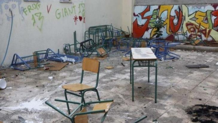 Pupils damage schools in first school day of the year (video)
