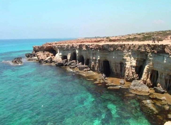 Cape Greco: Man rescued after fall at Sea Caves (photos)