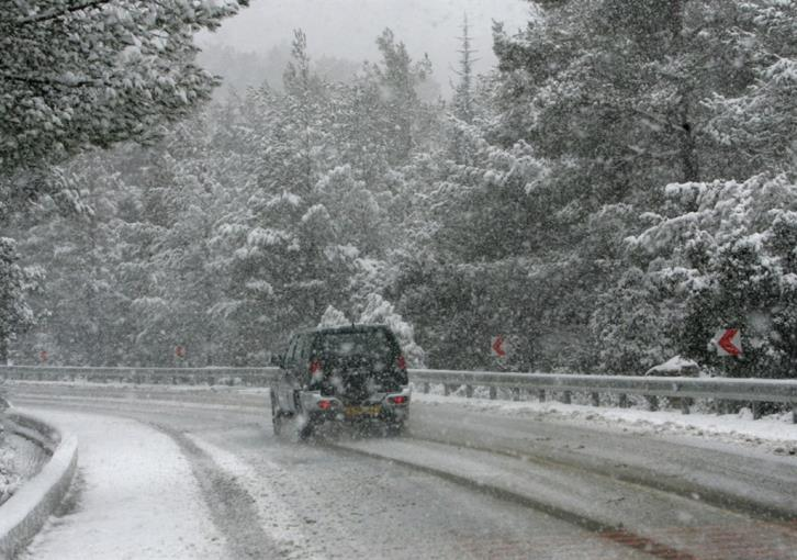 Snow and fog in Troodos