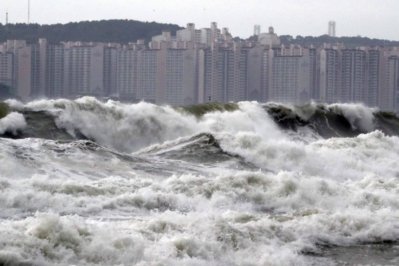 Typhoon knocks out power in South Korea; North braces for storm