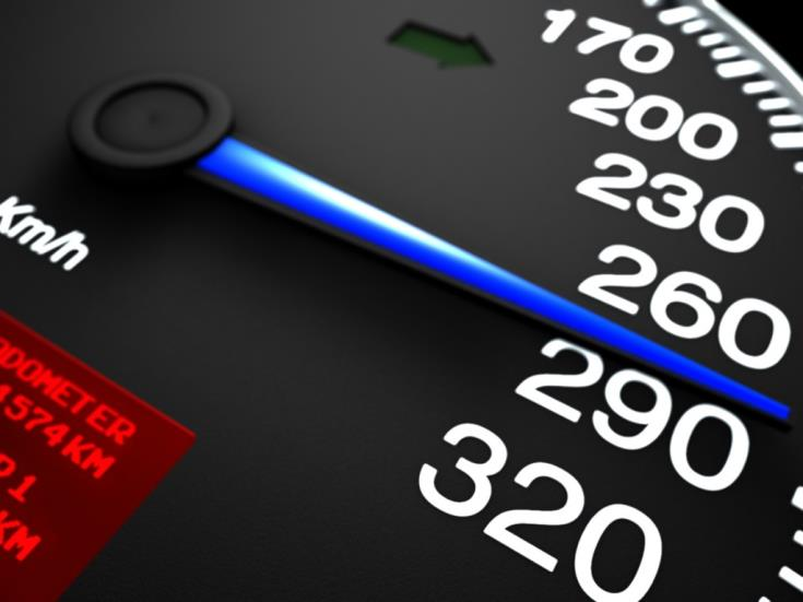Limassol police arrest  youth for speed racing