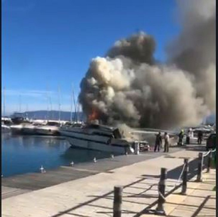 Two boats on fire at Latchi harbour (video)