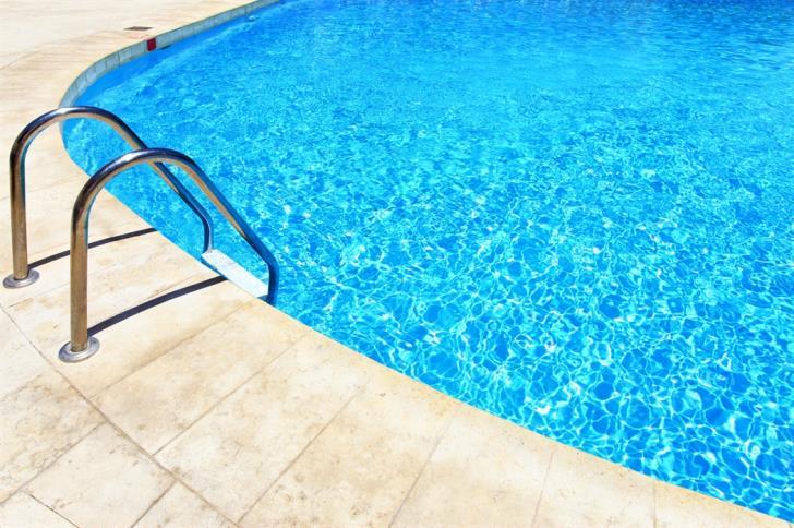 4 year old who fell in pool dies