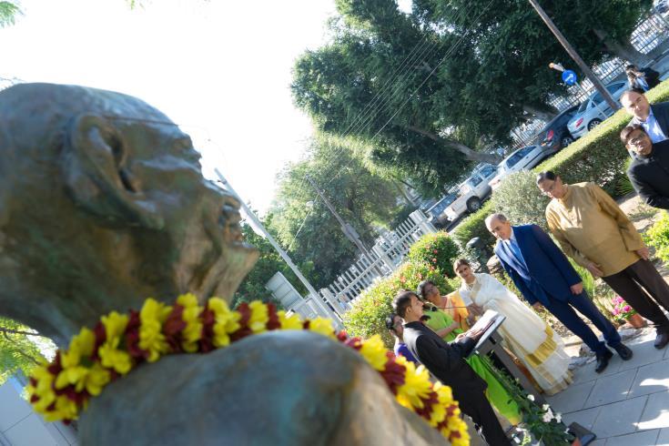 House President pays tribute to Mahatma Gandhi