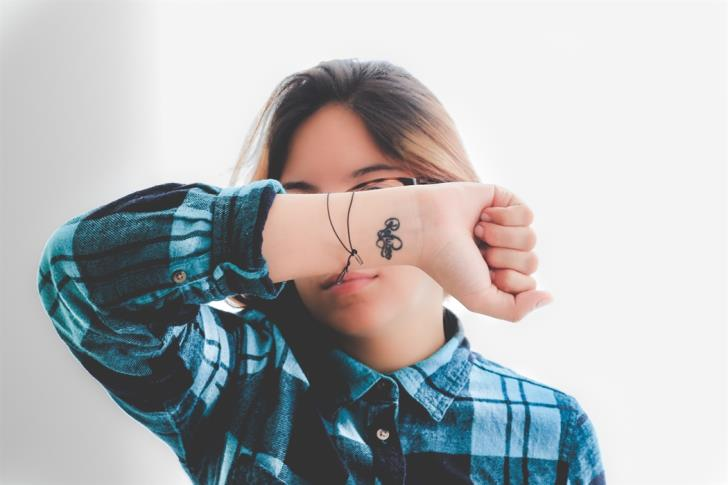 Bill proposes to prohibit tattoos for children under 16