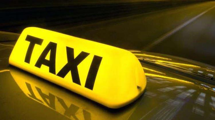 Minister promises action to combat piracy in taxi profession