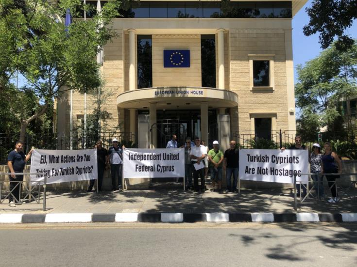 Nicosia raises law suits against Turkish Cypriot journalists with OSCE