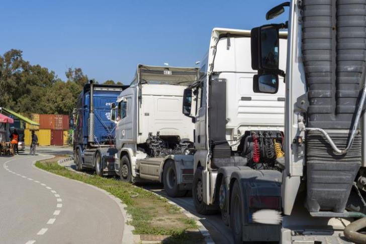 Limassol port's trailer truck drivers strike on Thursday