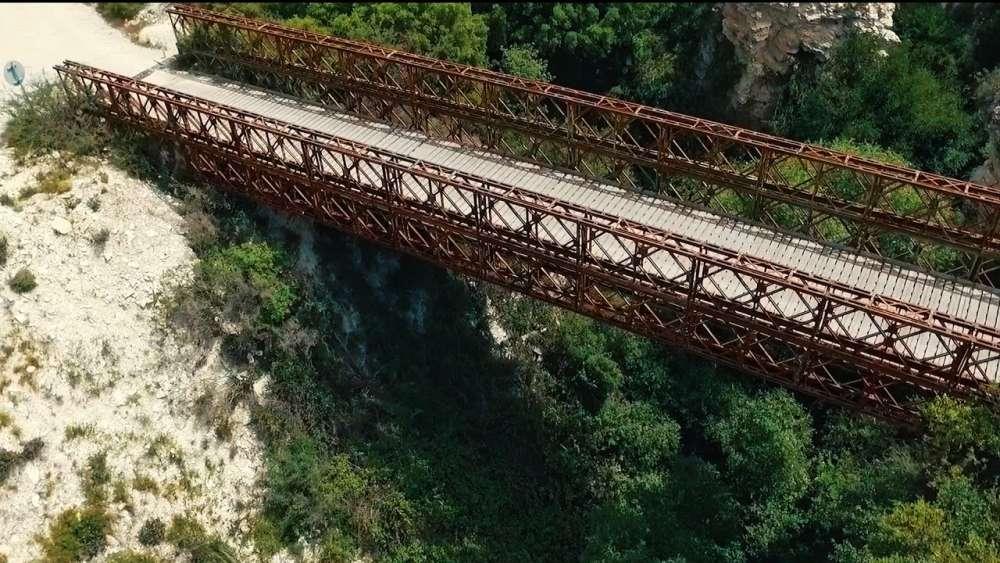 Trozena Bridge