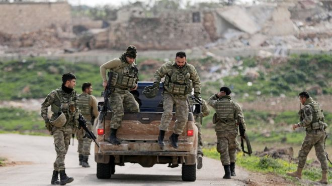Afrin: Turkish forces 'encircle' Syrian Kurdish city