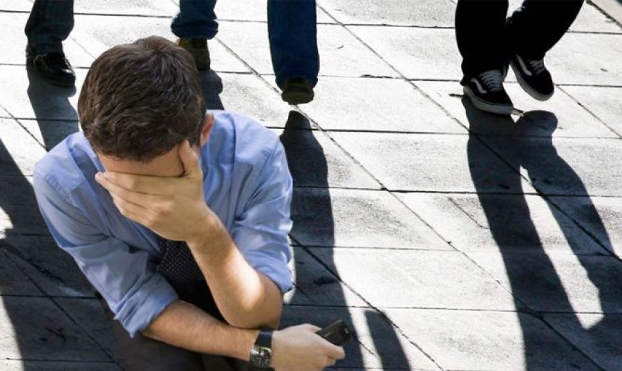 Unemployment hits university graduates