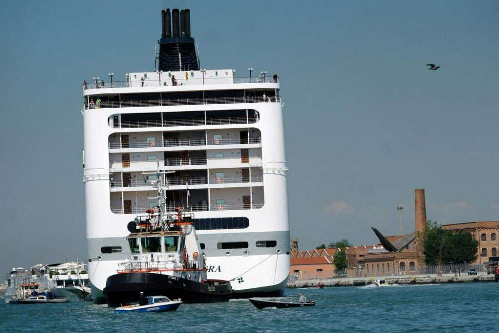 Cruise ship collides with Venice tourist boat