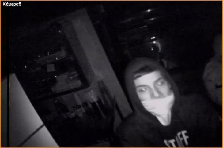Two men wanted in connection with burglaries (pictures)