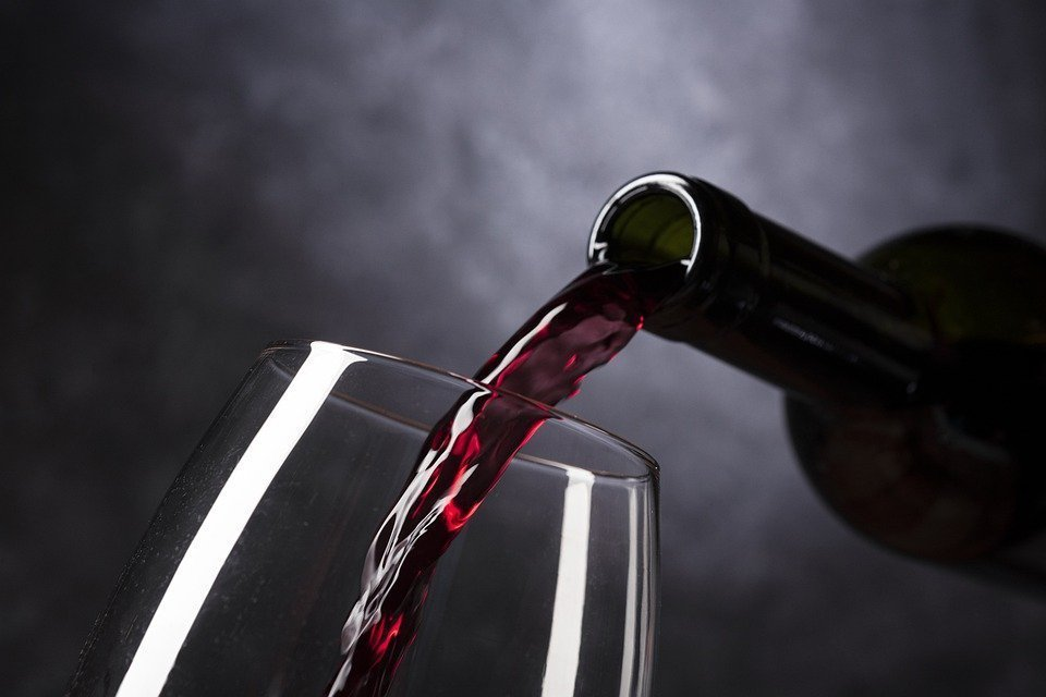 Order your favourite wine from Vino Cultura and #stayhome