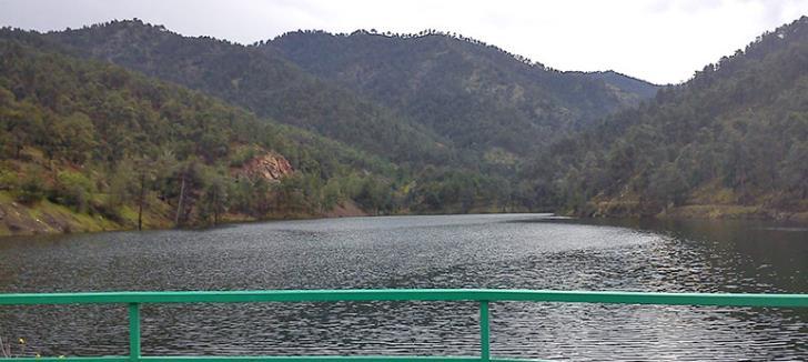 Xyliatou dam overflows