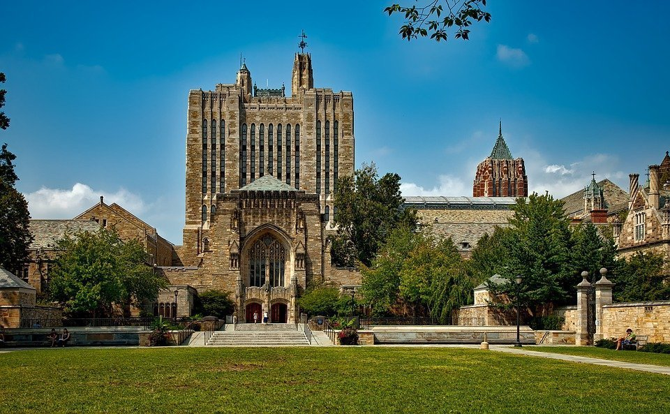 300 free Ivy League university courses available online