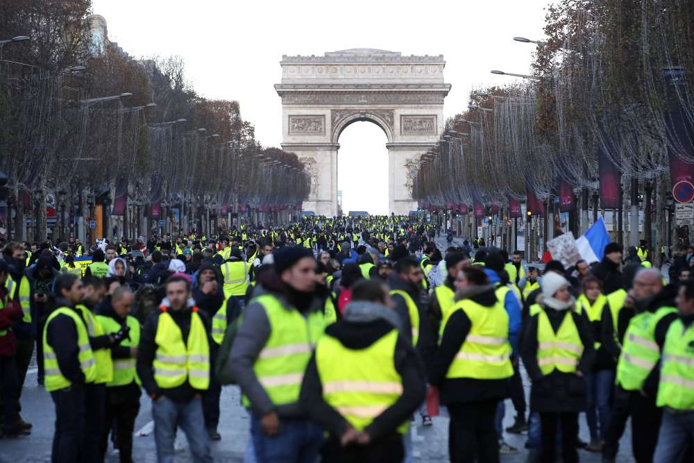 Paris in lockdown as France braces for new anti-Macron riots