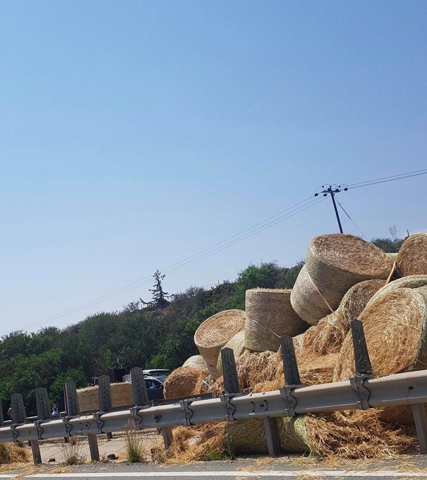 Section of Limassol-Nicosia highway closed after hay truck accident (photos) 5